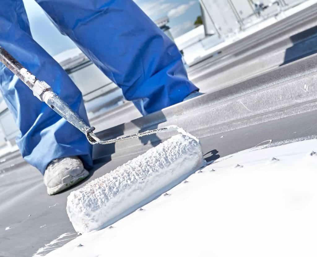 https://www.tpopros.com/wp-content/uploads/2020/05/houston-commercial-roofing-tpo-coating.jpg
